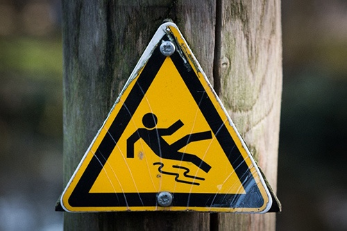 sign-slippery-wet-caution.jpg